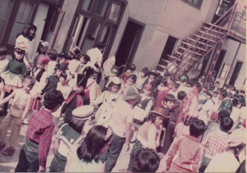 En 1974 el colegio se trastada a las dependencias de una ex iglesia anglicana